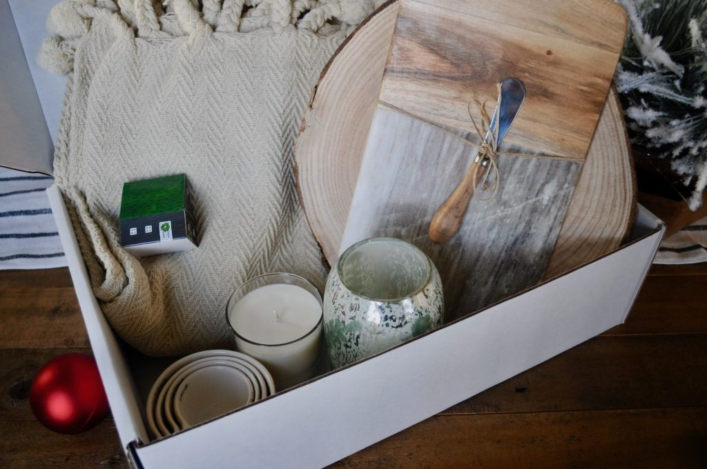 winter decor box